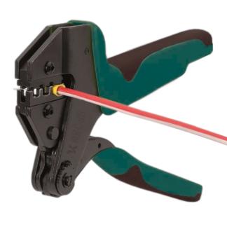 Ручной инструмент для опрессовки изолированных наконечников